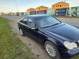 Mercedes-Benz C 200 2002 года за 3 150 000 тг. в Петропавловск – фото 3