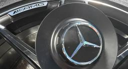 Диски Mercedes-Benz W222 орегинал R20 за 999 000 тг. в Алматы – фото 3
