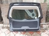 На Subaru LEGACY Outback крышка багажника за 50 000 тг. в Алматы – фото 2