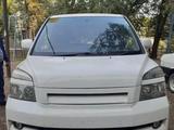 Toyota Voxy 2005 года за 2 600 000 тг. в Уральск