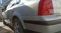 Volkswagen Passat 1997 года за 1 600 000 тг. в Актобе – фото 3