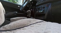 Volkswagen Passat 1997 года за 1 600 000 тг. в Актобе – фото 5