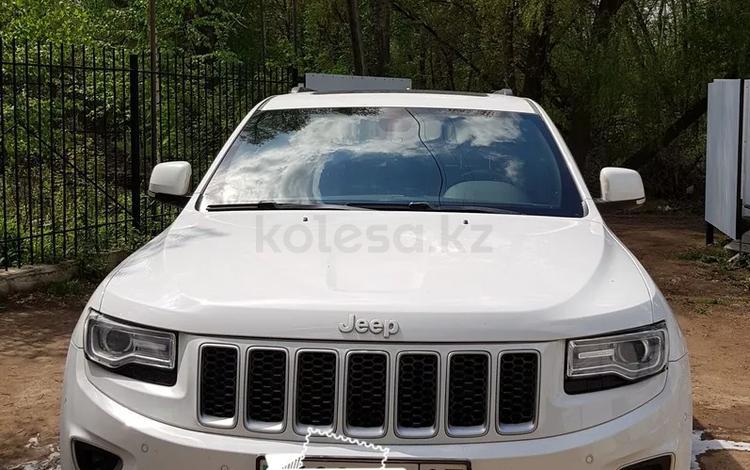 Jeep Grand Cherokee 2015 года за 13 500 000 тг. в Уральск