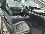 Lexus ES 200 2017 года за 12 200 000 тг. в Актобе – фото 3
