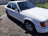 Mercedes-Benz E 200 1993 года за 1 450 000 тг. в Караганда – фото 2