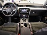 Volkswagen Passat 2021 года за 14 222 000 тг. в Уральск – фото 2