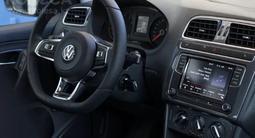 Volkswagen Polo 2018 года за 5 300 000 тг. в Актобе – фото 3