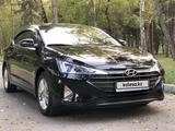 Hyundai Elantra 2019 года за 8 200 000 тг. в Алматы – фото 2