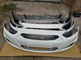 Бампера в цвет кузова. Hyundai Accent 2011-2014 за 25 000 тг. в Караганда