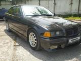 BMW 320 1994 года за 1 600 000 тг. в Алматы – фото 2