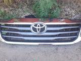 Б/у оригинальную решётку радиатора на Тойота Хайлюкс или Фортунер за 45 000 тг. в Актобе