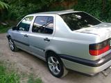 Volkswagen Vento 1995 года за 1 300 000 тг. в Алматы – фото 2