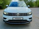 Volkswagen Tiguan 2019 года за 13 000 000 тг. в Уральск