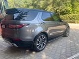 Land Rover Discovery 2017 года за 34 900 000 тг. в Караганда – фото 4