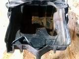 Площадка крепление аккумулятора мазда трибьют за 10 000 тг. в Караганда – фото 2