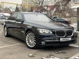 BMW 750 2012 года за 12 200 000 тг. в Алматы – фото 2