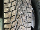 Шипованные шины Dunlop 265/65R17 за 40 000 тг. в Алматы