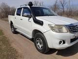 Toyota Hilux 2014 года за 10 500 000 тг. в Уральск