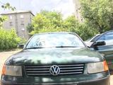 Volkswagen Passat 1997 года за 1 650 000 тг. в Семей
