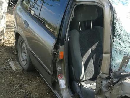 Mazda 323 1999 года за 250 000 тг. в Костанай – фото 2