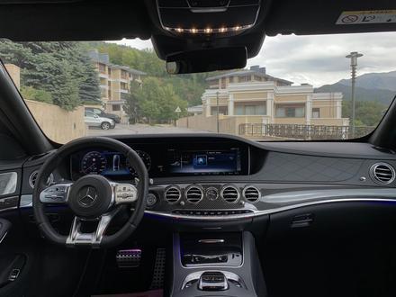 Mercedes-Benz S 63 AMG 2018 года за 55 500 000 тг. в Алматы – фото 24