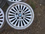 Оригинальные легкосплавные диски 33 стиль на BMW 5 е39 (Германия R1 за 90 000 тг. в Нур-Султан (Астана) – фото 2