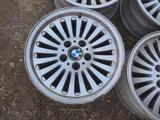 Оригинальные легкосплавные диски 33 стиль на BMW 5 е39 (Германия R1 за 90 000 тг. в Нур-Султан (Астана) – фото 3