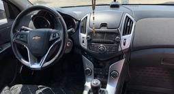 Chevrolet Cruze 2014 года за 4 150 000 тг. в Актобе – фото 4