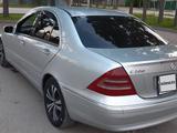 Mercedes-Benz C 200 2001 года за 2 400 000 тг. в Алматы – фото 3