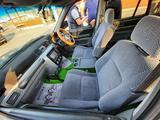Honda CR-V 1995 года за 2 950 000 тг. в Алматы – фото 2