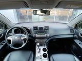 Toyota Highlander 2013 года за 12 500 000 тг. в Уральск – фото 4