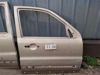 Дверь передняя правая за 15 000 тг. в Алматы