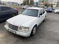 Mercedes-Benz E 220 1994 года за 1 500 000 тг. в Шымкент
