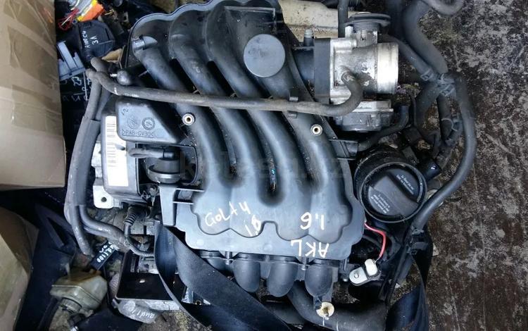 Контрактный двигатель 1.6 AKL Фольксваген Гольф 4 за 170 000 тг. в Семей