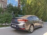 Hyundai Elantra 2019 года за 8 200 000 тг. в Актобе – фото 2