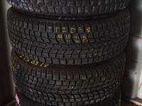 Зимняя резина Dunlop 235/65/17 за 90 000 тг. в Уральск