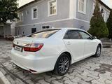 Toyota Camry 2017 года за 8 700 000 тг. в Туркестан – фото 5
