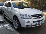 Mercedes-Benz ML 550 2009 года за 5 500 000 тг. в Алматы – фото 2