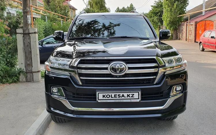 Toyota Land Cruiser 2018 года за 32 800 000 тг. в Алматы