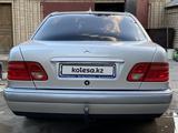 Mercedes-Benz E 230 1995 года за 3 350 000 тг. в Кызылорда – фото 5