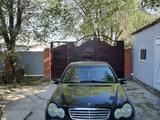 Mercedes-Benz C 200 2001 года за 2 200 000 тг. в Шымкент – фото 2