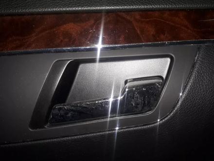 Ручка внутренняя Mercedes-Benz s350 за 100 тг. в Алматы