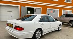 Mercedes-Benz E 320 2000 года за 4 200 000 тг. в Актобе – фото 2