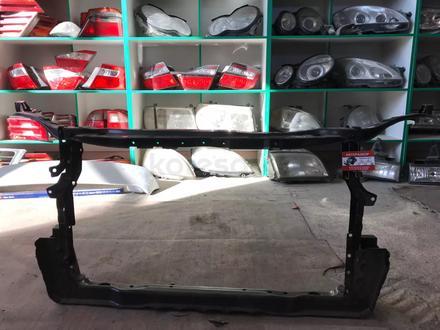 Подрадиаторная рамка camry 50 новая оригенал за 777 тг. в Караганда