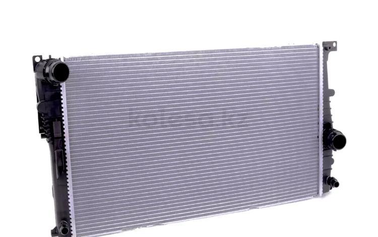 Радиатор охлаждения на бмв f30 за 6 817 тг. в Алматы