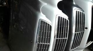 Капот на Мерседес Е-класс 210-й кузов рестайлинг за 50 000 тг. в Алматы