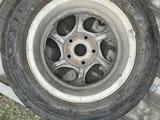Титан диски с летними покрышками за 45 000 тг. в Семей – фото 5