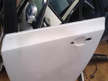 Задняя левая дверь на Chevrolet Cruze за 3 450 тг. в Алматы