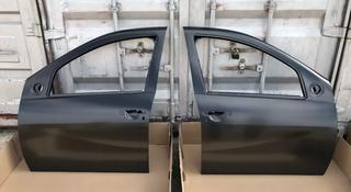Передние двери Renault Duster за 888 тг. в Караганда