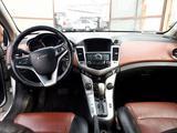Chevrolet Cruze 2012 года за 2 422 800 тг. в Алматы – фото 4